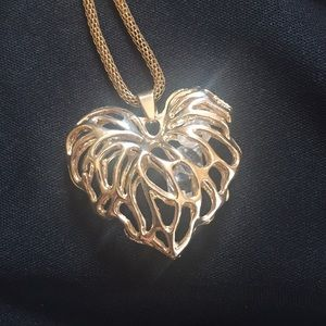 Jewelry - Heart shaped Gold Statement Necklace